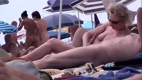 Agde sex d cap Nudist Swingers
